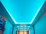 Парящий натяжной потолок с подсветкой: особенности конструкции, монтаж
