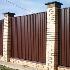 Забор своими руками из профнастила: пошаговое руководство по строительству + фото