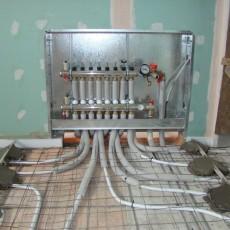 Подключение водяного теплого пола к системе отопления: возможные варианты