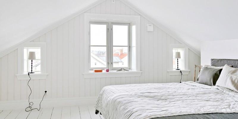 Оформление спальни в мансарде в скандинавском стиле