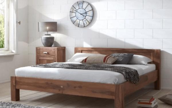 Такая кровать идеально подойдет для спальни в скандинавском стиле