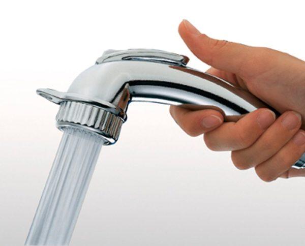 Лейка душа с кнопкой переключения воды