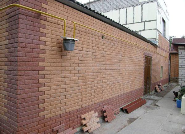 Отделка фасадов панелями под кирпич