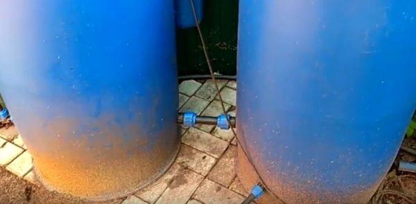 Подключена трубы вывода воды