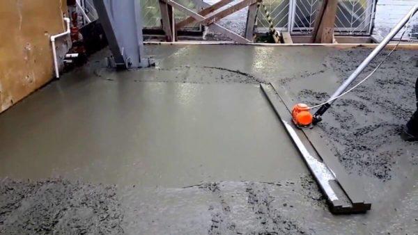 Процесс уплотнения бетона