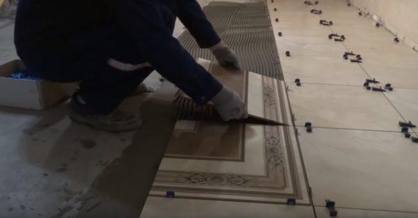 Укладка второй плитки панно
