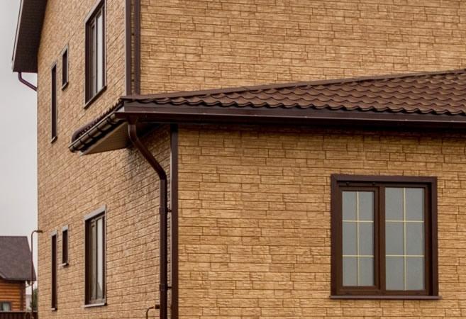 Фасадные панели представляю собой облицовочные листы из термостойкого полимера, имитирующие натуральные материалы для отделки фасадов