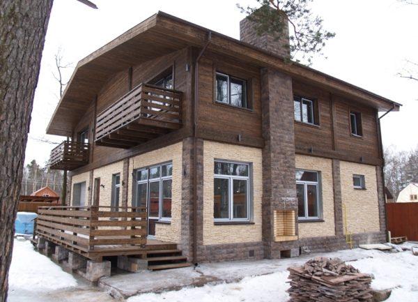 Фасад загородного дома - это стиль и индивидуальность его владельца