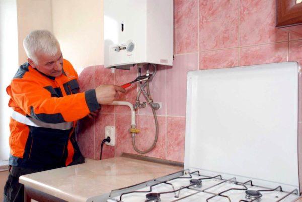 Установкой и ремонтом газового водонагревателя должны заниматься специалисты