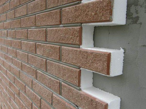 Широта и многообразие материалов для отделки стен поражает