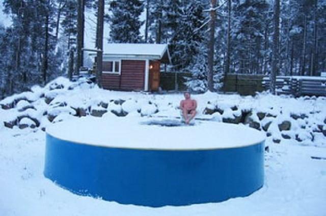 Купание в бассейне от компании «ГарденПласт» возможно даже в зимний период, например, при банных процедурах. Естественно, для подготовленного здорового человека…
