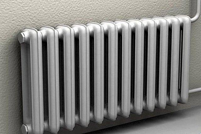 Некоторым чугунным радиаторам в квартирах уже по полвека и больше. Они продолжают верно служить, и еще неизвестно сколько им отмерено…