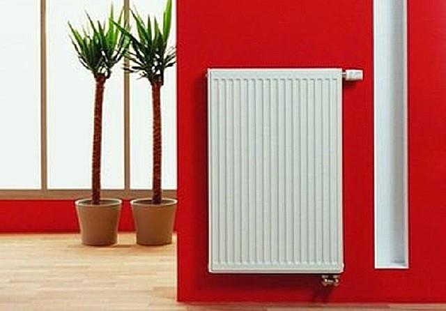 Панельные радиаторы отлично смотрятся в современном интерьере, они могут иметь разный цвет, высоту и ширину.