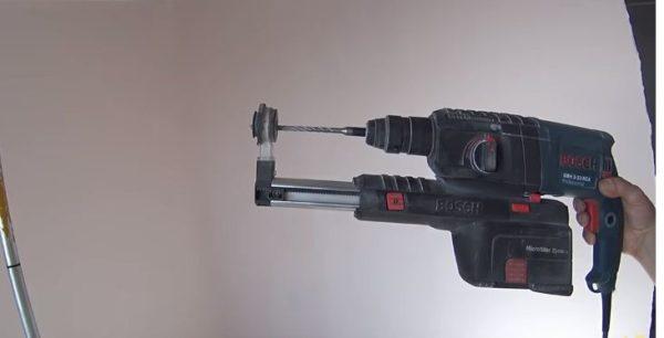Для сверления отверстий рекомендуется использовать перфоратор с пылесосом
