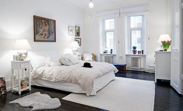 Большое значение имеет освещенность спальни