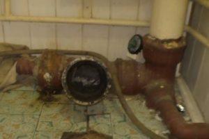 Шаг 6 – освобождение канализационного входа
