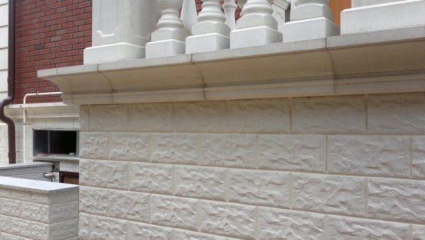 Бетонное покрытие, стилизованное под камень
