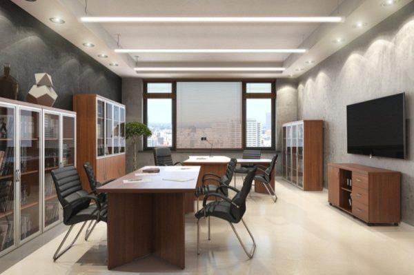 Подвесной вариант потолка с люминесцентным освещением