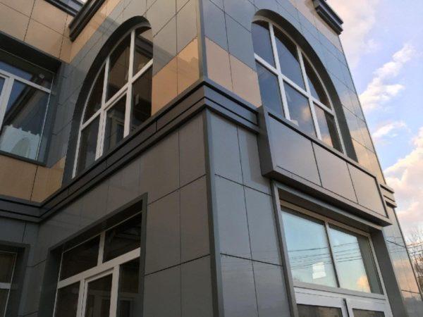 Вентфасад офисного здания