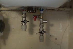 Шаг 20 – установка крана горячей воды