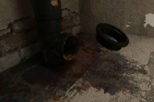 Шаг 2 – уплотнение канализационного отверстия