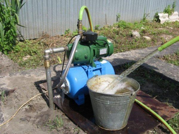 Добыча воды бытовой насосной станцией из мини-скважины