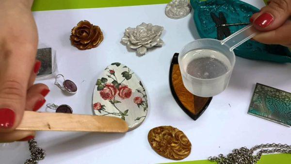 Процесс изготовления украшений