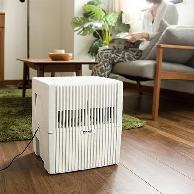 Увлажнитель «Venta LW25» лучше всего устанавливать на полу. Таким образом очищенный увлажненный воздух будет активнее распространяться по всему помещению.