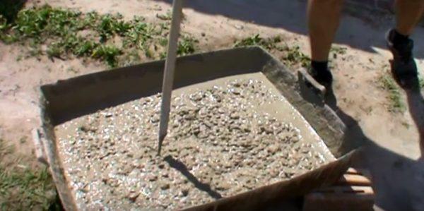 Готовый бетон необходимо использовать в течение получаса