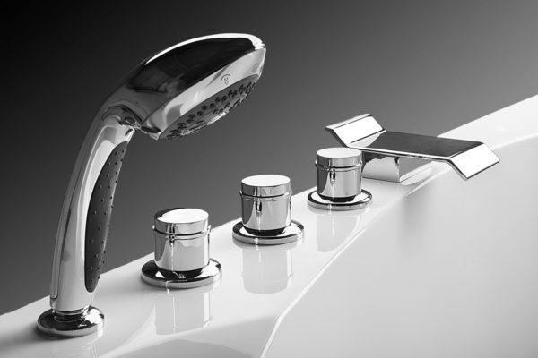 Смеситель в ванну их виды и правила подбора