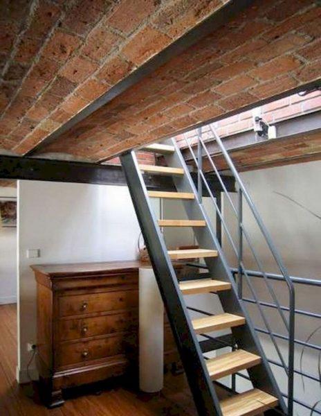 Для частого использования чердачного помещения больше подойдут стационарные конструкции