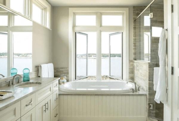 Рекомендуется открыть дверь и окна ванной комнаты (если они имеются)