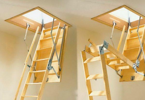 Деревянная складная лестница с люком на чердак