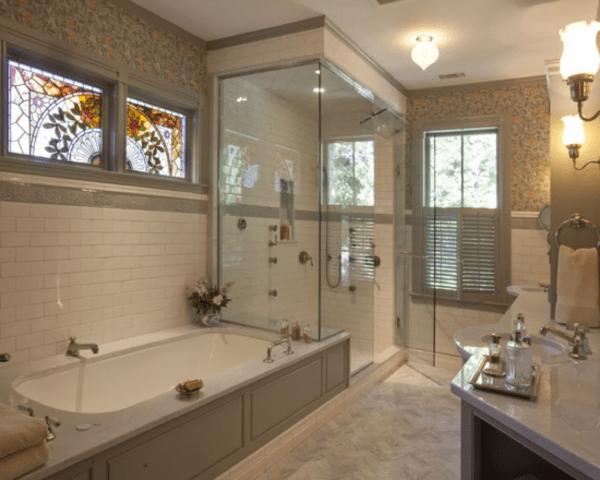 По стандарту в ванной комнате должны быть окна