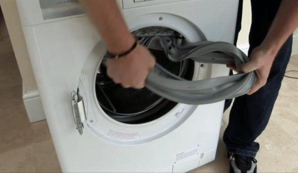 При частом использовании стиральной машины резинка быстро теряет эластичность