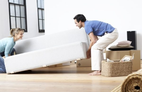 Прежде чем что-то менять, нужно тщательно продумать оформление спальни и расстановку мебели