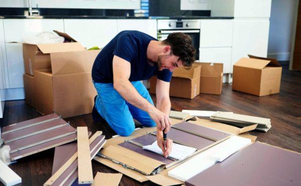 При сборке мебели важно соблюдать общие правила