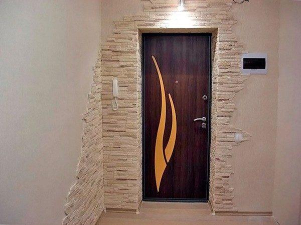 Откосы входной двери: варианты отделки