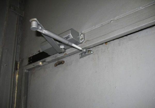 При неправильной эксплуатации даже качественные доводчики выходят из строя