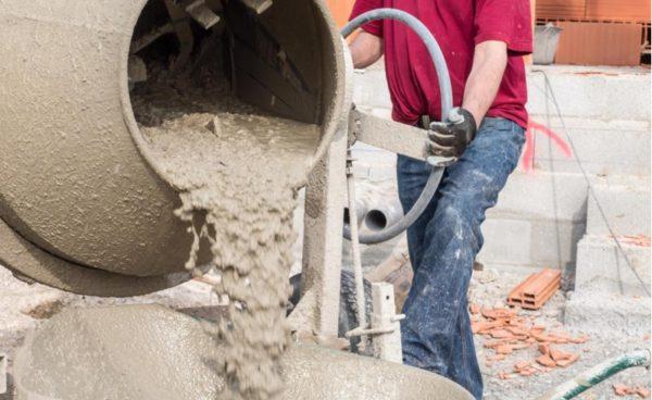 Для получения качественного бетона важно соблюдать технологию замеса
