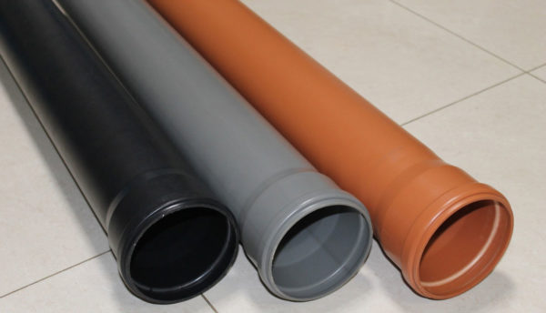 Технические характеристики труб зависят от вида пластика, из которого эти трубы изготовлены