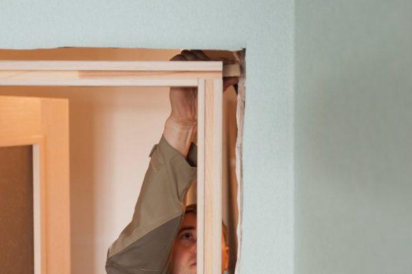 Скрытые двери устанавливать сложнее, чем обычные