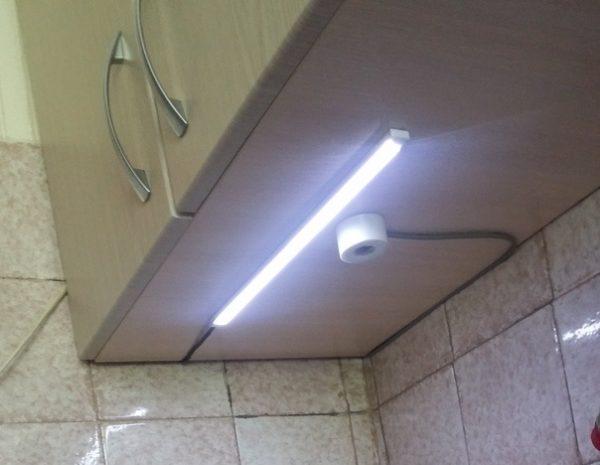 Бесконтактный выключатель для LED-ленты