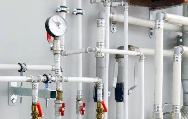 Бесшумное движение воды – одно из преимуществ металлопластика