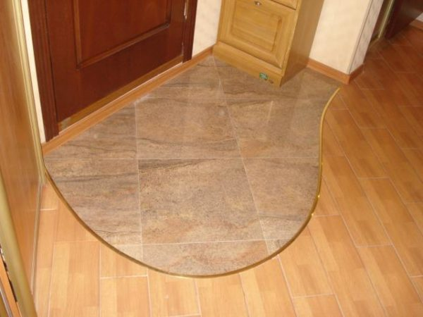 Ламинат и плитка