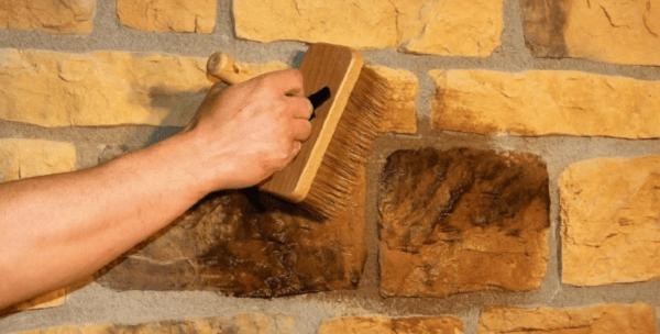 Окрашивание гипсового камня кистью