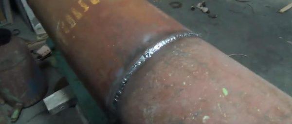 Привариваем кусок трубы