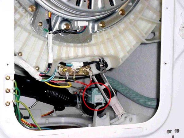 Расположение переключателя в стиральной машине