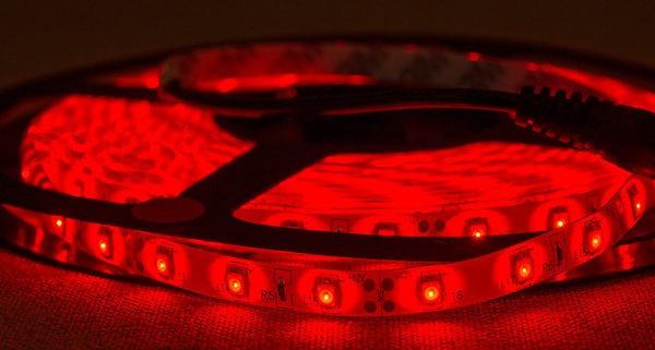 Светодиодная лента красная 12В, IP65
