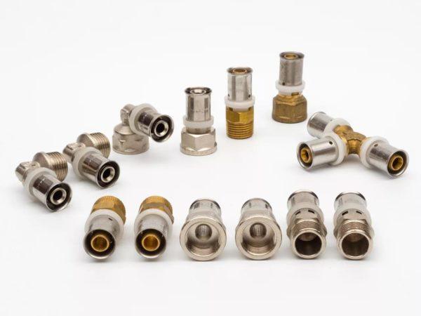 Соединительные элементы для труб из металлопласта